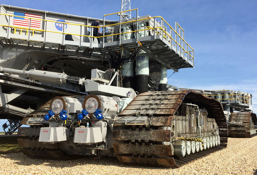 Hunger Hydraulic Cylinders for NASA Crawler Transporter